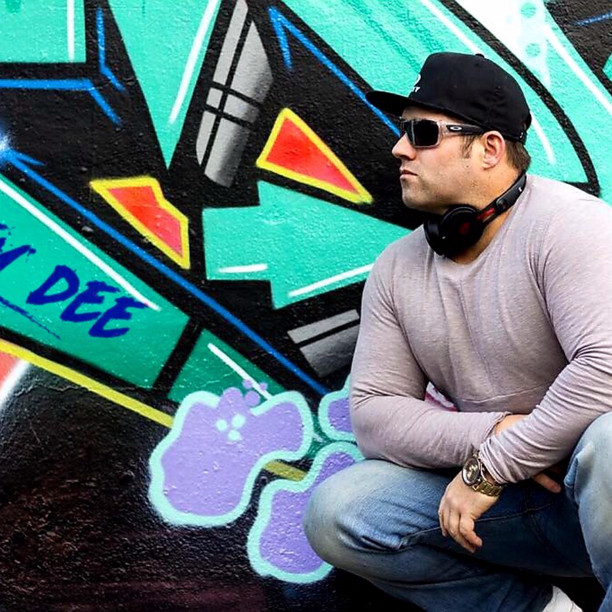 DJ MIKEY DEE